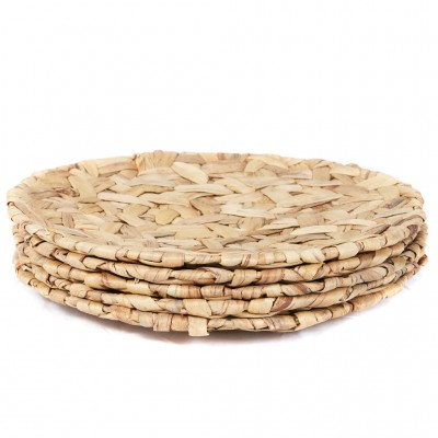 Create an earthy, natural feel for your home or workspace with these woven trays crafted in Vietnam.  Water hyacinth is one of the world's worst aquatic weeds.
