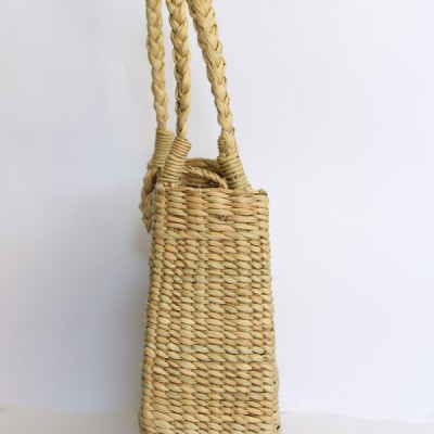 A-shaped-natural-reed-hand-bag-3